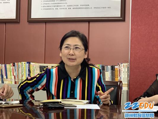 郑州八中副校长刘莘给予大家鼓励