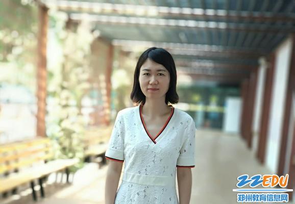 1江侠:平凡中感悟教师的幸福