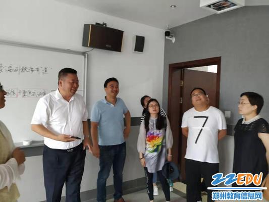 参观杭州市三墩中学