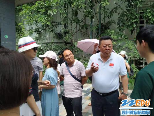 参观杭州市丁兰学校