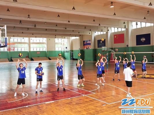 郑州八中张成周老师课上观摩学习