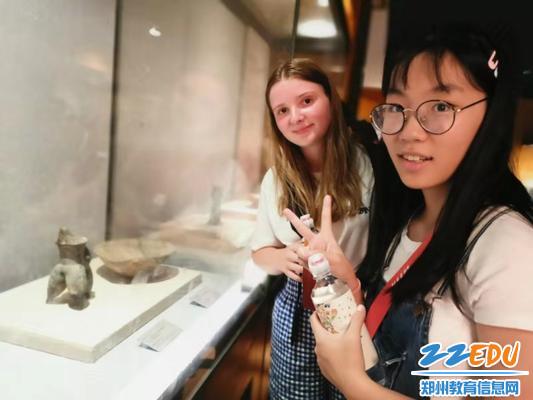 参观河南博物馆