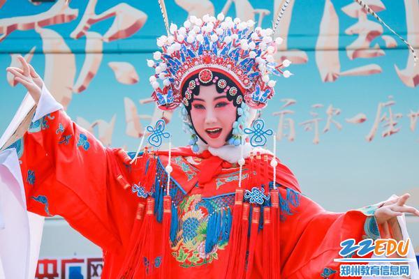 豫剧《穆桂英挂帅》
