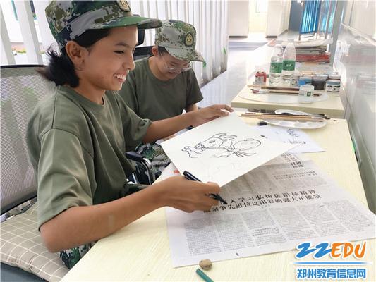 素比努尔同学拿起手中的画笔表达对盛会的的翘首期盼