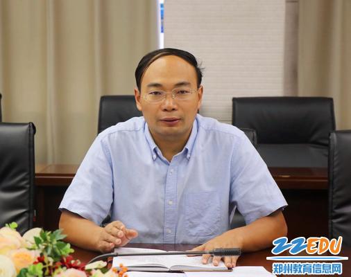 郑州47中副校长栗红涛总结发言