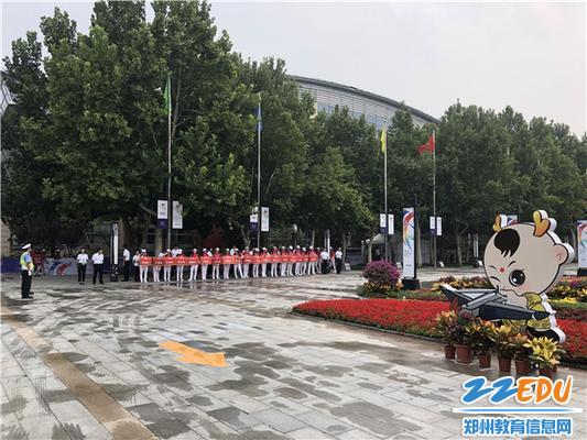 第十一届全国少数民族传统体育运动会射弩项目在郑州11中开赛