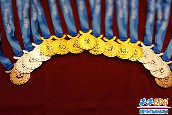 6金4银1 铜1第四的傲人成绩fd1