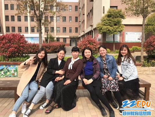 3陈建辉老师参与学校青蓝工程,发挥传帮带作用