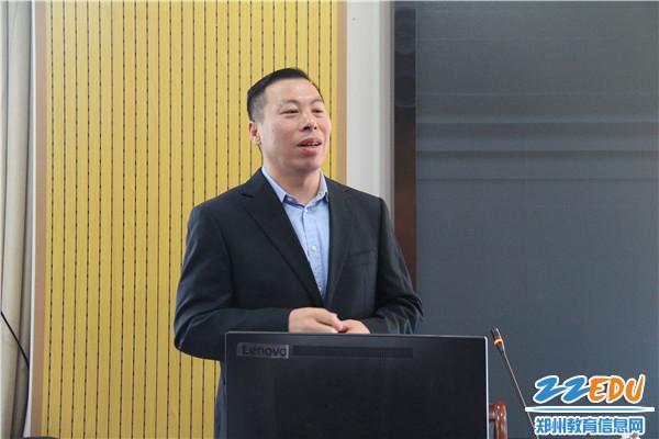 """5亚龙智能西北运营中心总经理刘天鹏谈""""引领中国职业教育数字化改革-智能制造创新中心建设思路"""""""