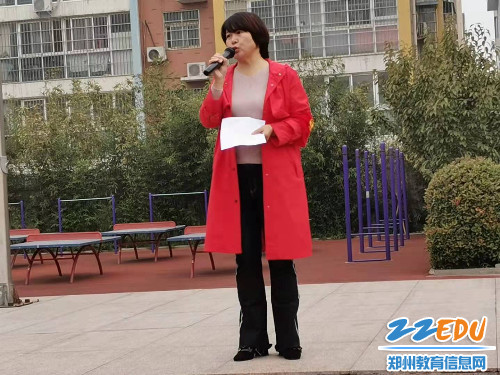 负责人李刘艳芳对活动总结