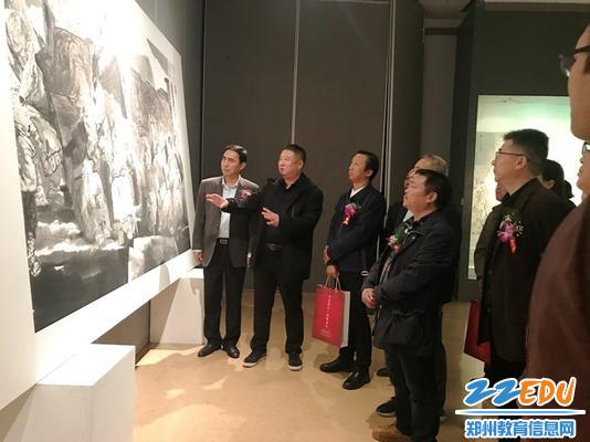郑州24中美术教师知名画家李振老师介绍自己参展作品