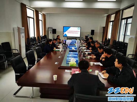 督导组与对不同岗位教师的安全职责履行情况进行调研和座谈