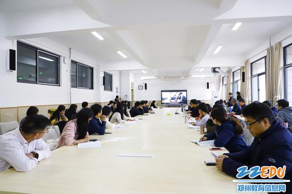 广东省河源中学教师代表团到郑州