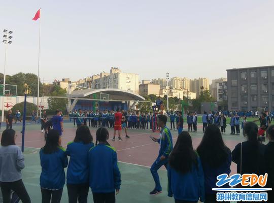 郑州107中排球赛