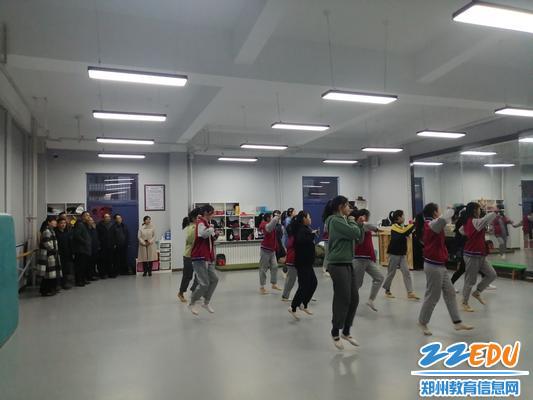 参观舞蹈教室