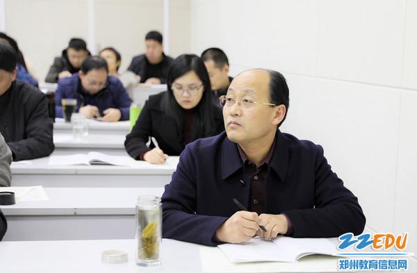19.校长孟天义坚持逢课必听