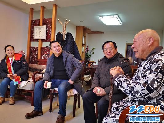 89岁的离休干部王克智老师给大家讲笑话1