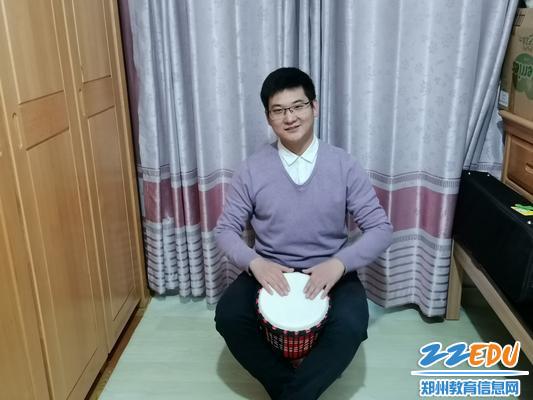 杨振威教师教唱《疫情预防歌》