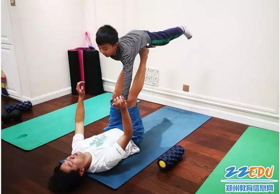亲子室内锻炼