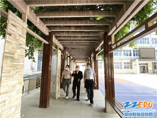 10校史长廊