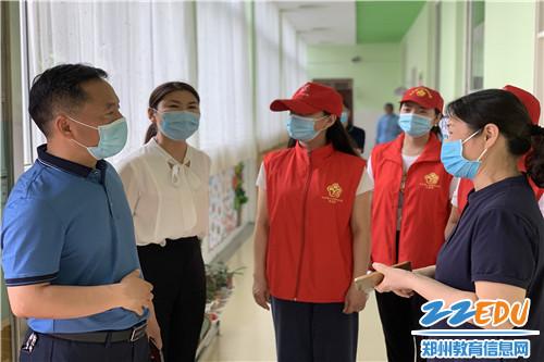 刘局长高度赞扬幼儿园演练活动