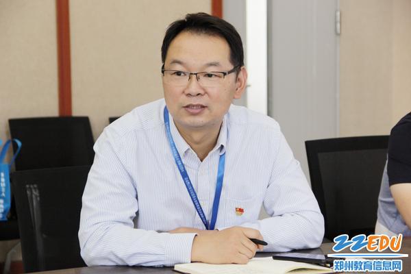 信息技术系主任张克强表决心