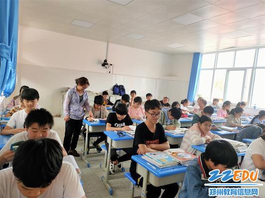 郑州63中数学组教研组长李淑瑜在卢氏支教的日常