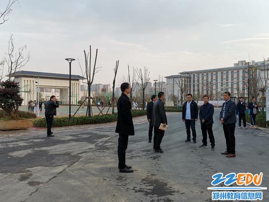6参观开元校区各个功能场所建设