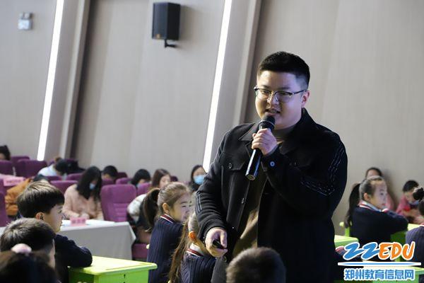 刘广勇老师幽默风趣的课堂