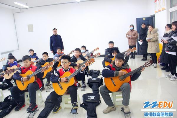 吉他社团展示中