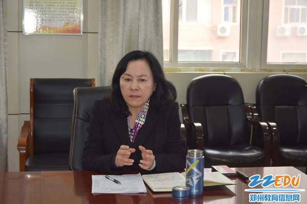 6 郑州42中党总支书记、校长于红莲更对干部成长寄予厚望