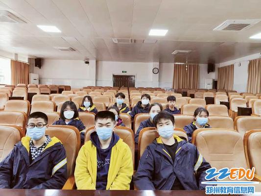 3学生社团负责人参加社团筹备会_副本
