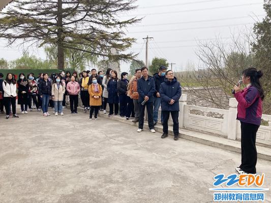 1全体党员来到武陟县人民胜利渠渠首参观学习