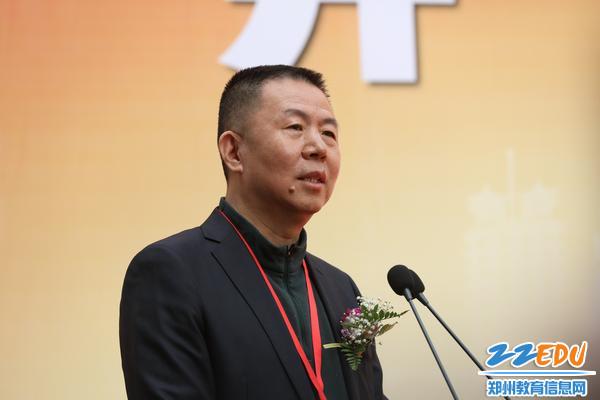 河南省文联副主席、河南省美术家协会主席、中国美术家协会理事刘杰讲话