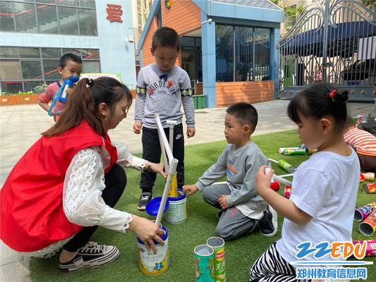 5家长带领幼儿做游戏