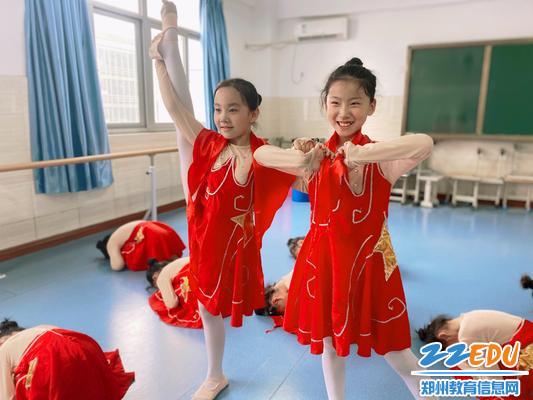 """5""""中国舞蹈团""""——我爱你小小的一角"""
