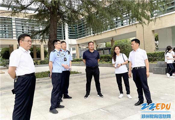 7.学校领导协调明湖派出所护送学生返疆