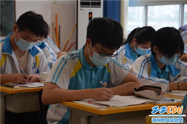 高二学子们迅速进入学习状态
