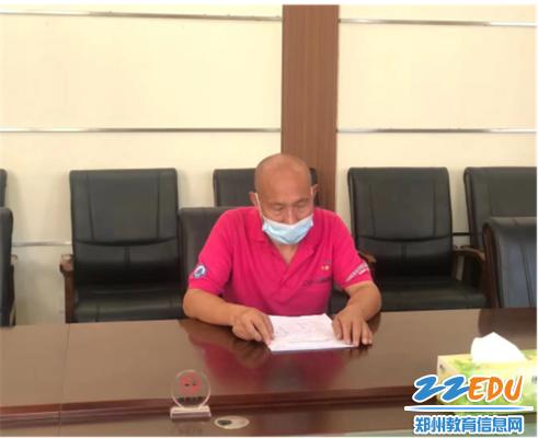 3李富森老师表示定会圆满完成新疆支教任务