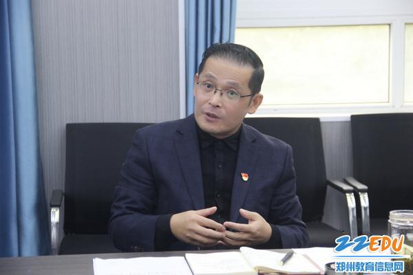 4.经贸学校党委书记、校长牛红国进行工作部署