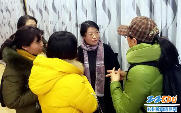 6.会后家长朋友向刘教授咨询提问