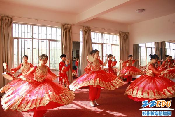 v诗歌分享促迎接郑州18中结合福州高级中学教诗歌高中提升虚实图片