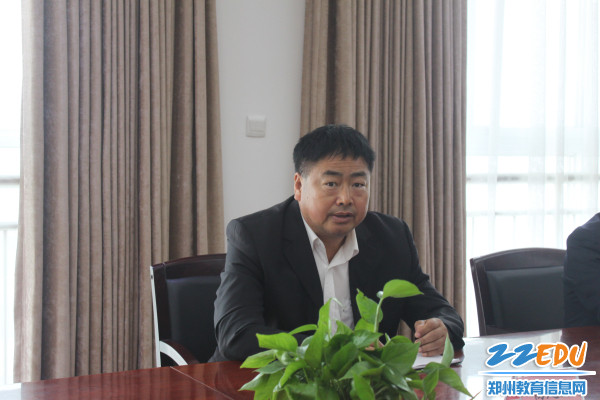杨建臣校长做总结发言