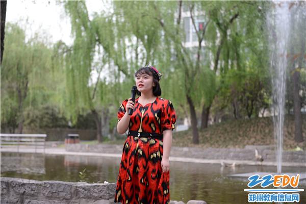 春风拂槛诵经典 郑州11中举办经典诵读活动