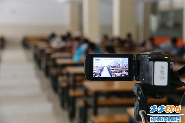 郑州12中依纪依规进行后备生测试
