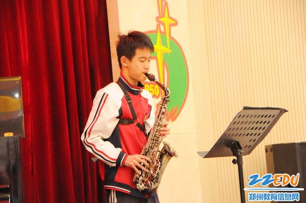 七中管乐团学生演奏5