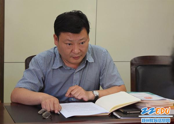 郑州三中副校长王磊部署暑期安全工作_副本