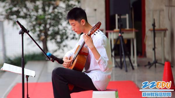 学生吉他弹唱