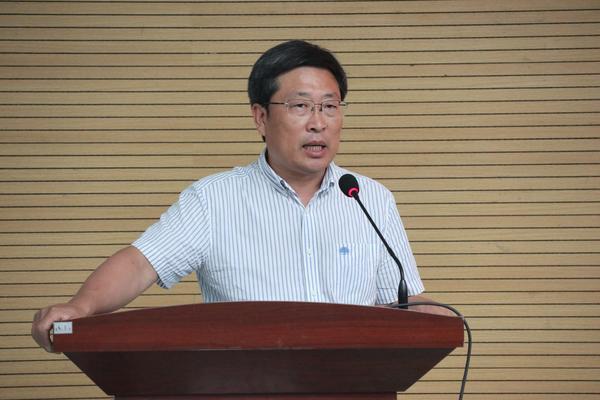3市教育局党组副书记常务副局长刘鹏利发表讲话