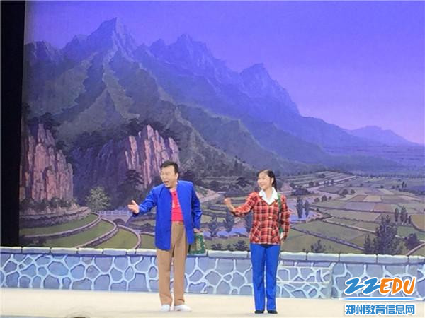 张泽群在此次上演的《朝阳沟》中饰演栓宝